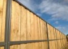 Kwikfynd Lap and Cap Timber Fencing ardeer